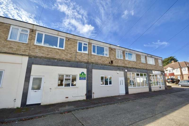 2 Bedrooms Flat for sale in The Parade Allington Drive, Rochester, ME2
