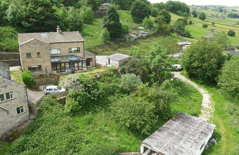 6 Bedrooms Country House Character Property for sale in Upper Gaukroger Farm, Sowerby Bridge, HX6 1NB