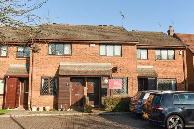 2 Bedrooms Terraced House for sale in Otter Close, CROWTHORNE, Berkshire