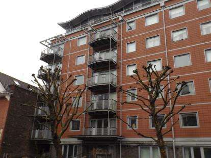 2 Bedrooms Flat for sale in The Panoramic, 30 Park Row, Bristol, Somerset