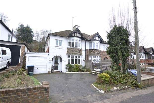 3 Bedrooms Semi Detached House for sale in Hillbury Road, WARLINGHAM, Surrey, CR6 9TD