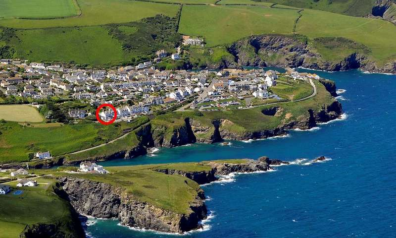 1 Bedroom House for sale in The Jolly Boat, Flat 4 Seapoint, 19 The Terrace, Port Isaac