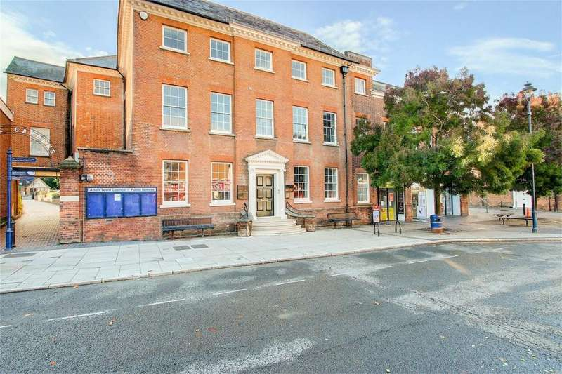 1 Bedroom Flat for sale in High Street, ALTON, Hampshire