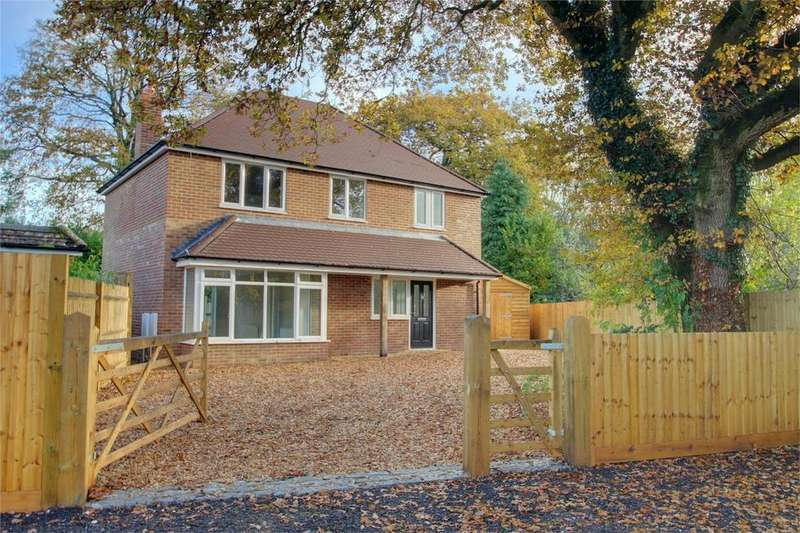 4 Bedrooms Detached House for sale in Green Stile, MEDSTEAD, Hampshire