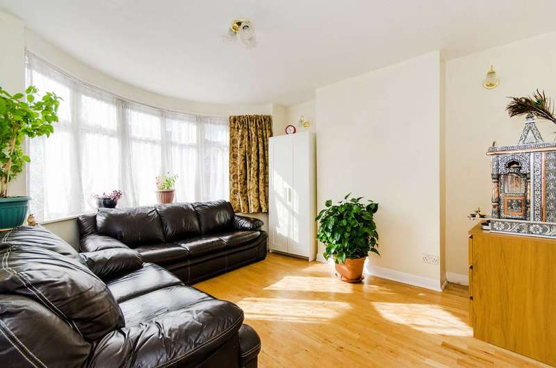 3 Bedrooms House for sale in Woodside Close, Alperton, HA0