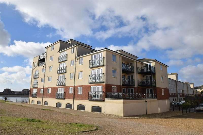 2 Bedrooms Flat for sale in Macquarie Quay, North Harbour, East Sussex