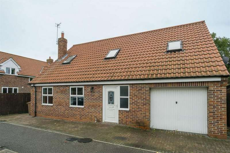 3 Bedrooms Detached House for sale in Cromwell Close, Patrington, East Riding of Yorkshire
