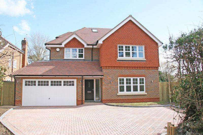 5 Bedrooms Detached House for sale in Green Lane, Farnham Common, Buckinghamshire SL2