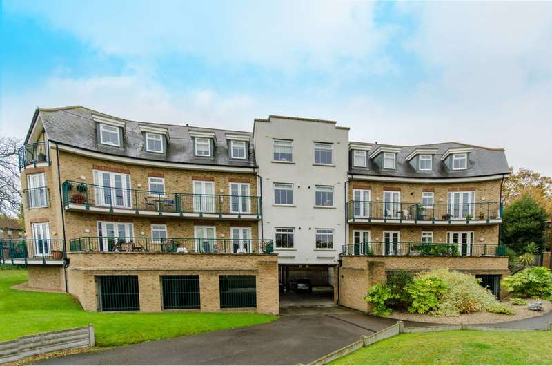 2 Bedrooms Flat for sale in Village Road, Bush Hill Park, EN1
