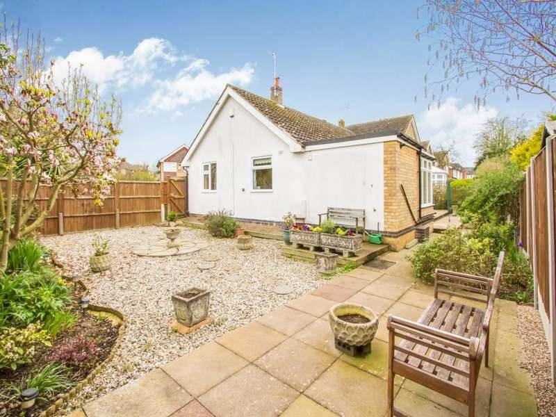 2 Bedrooms Detached Bungalow for sale in Gwendoline Drive, Countesthorpe, Leicester, LE8
