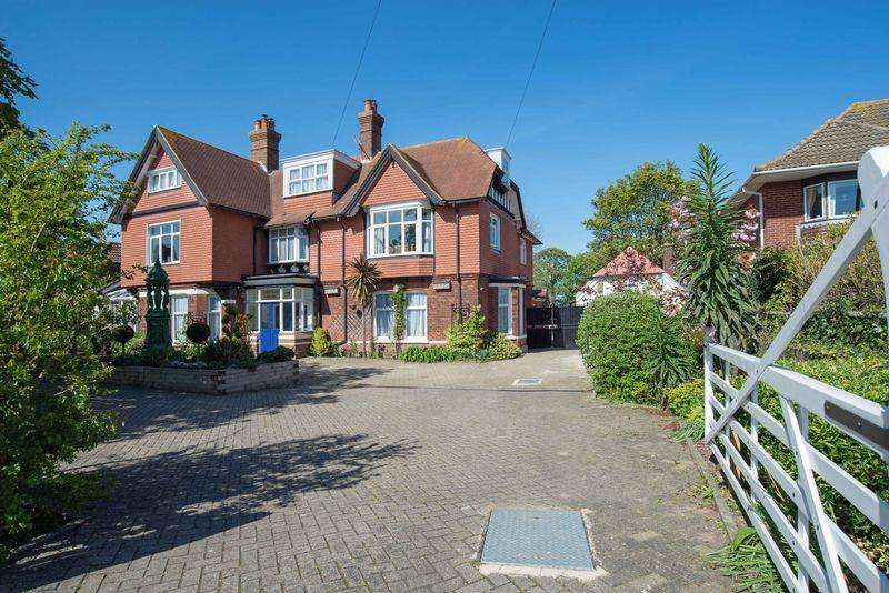 7 Bedrooms Detached House for sale in Upper Walmer