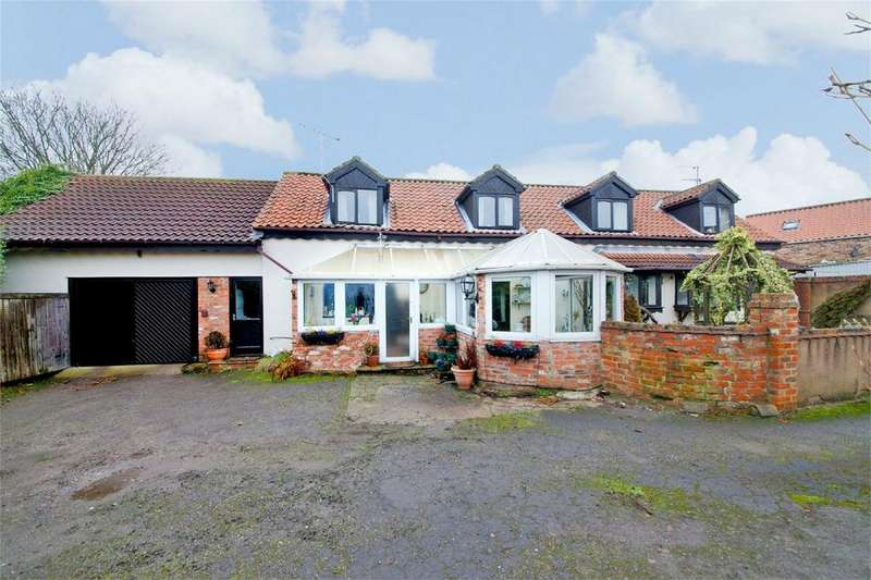 4 Bedrooms Detached House for sale in York Road, Market Weighton, York