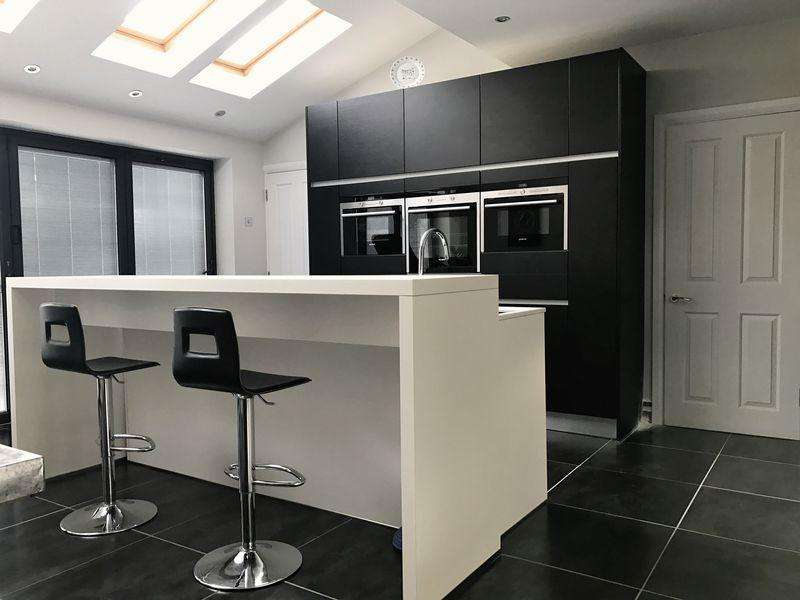 3 Bedrooms Semi Detached House for sale in Three Bedroom Extended Semi-Detached House in Gibbs Green!
