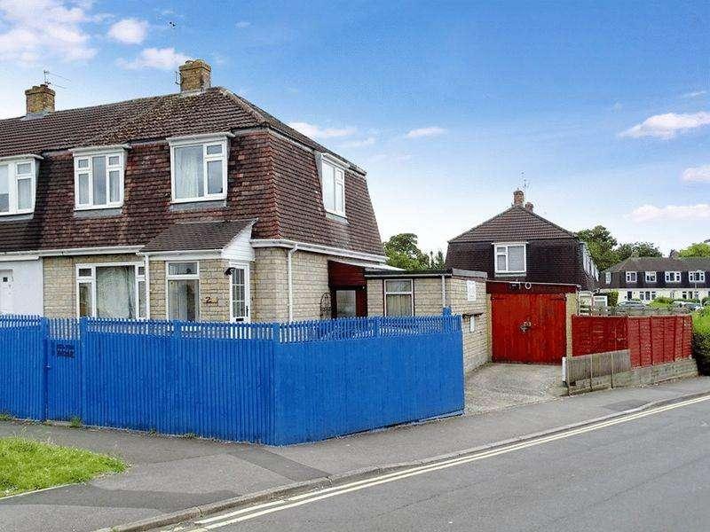 3 Bedrooms Terraced House for sale in Milton Avenue, Melksham, Wiltshire