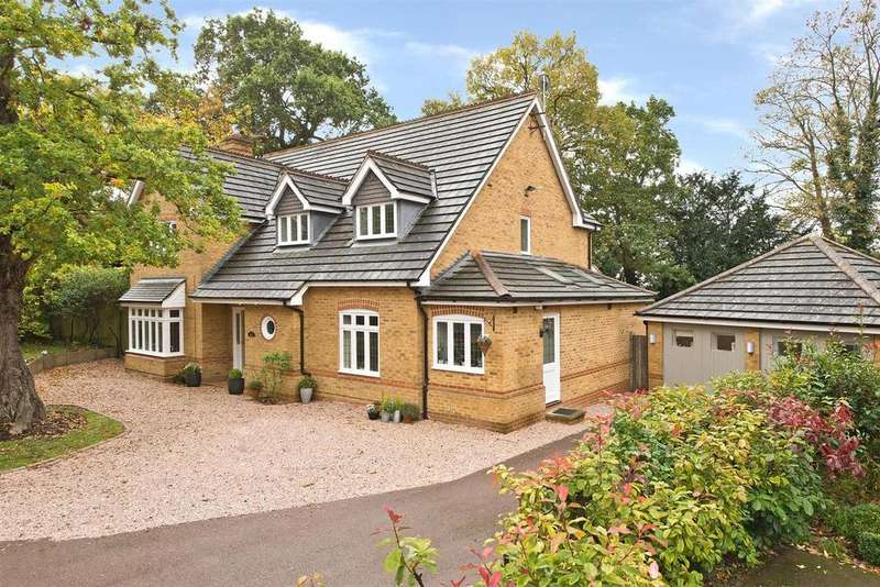 4 Bedrooms Detached House for sale in Tower Gardens, Claygate