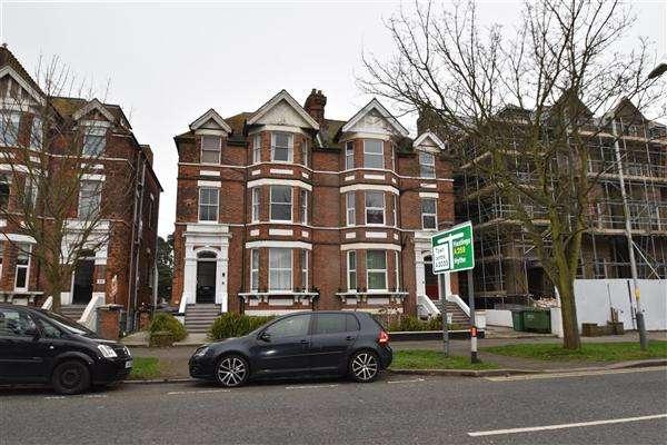 3 Bedrooms Flat for sale in Flat 5, 28 Earls Avenue, Folkestone