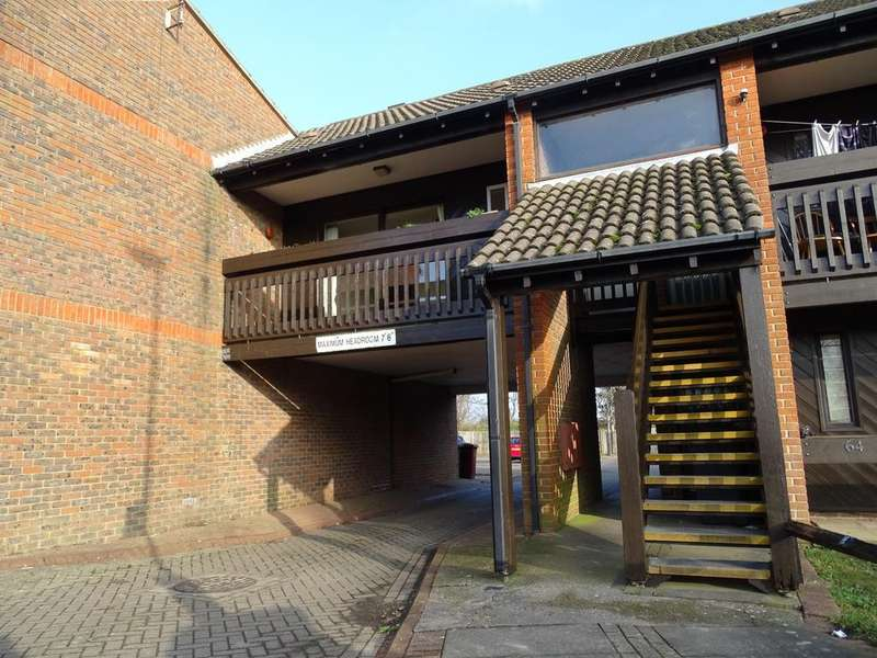 1 Bedroom Flat for sale in Osborne Crescent, Chichester