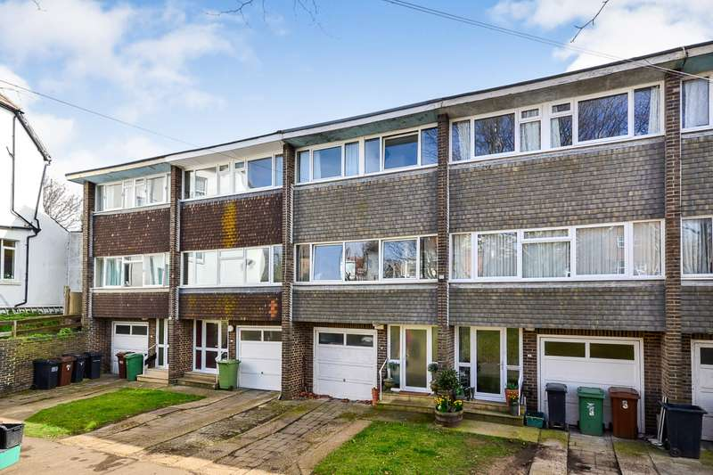 3 Bedrooms House for sale in Priory Court, Fairmount Road, Bexhill, TN40