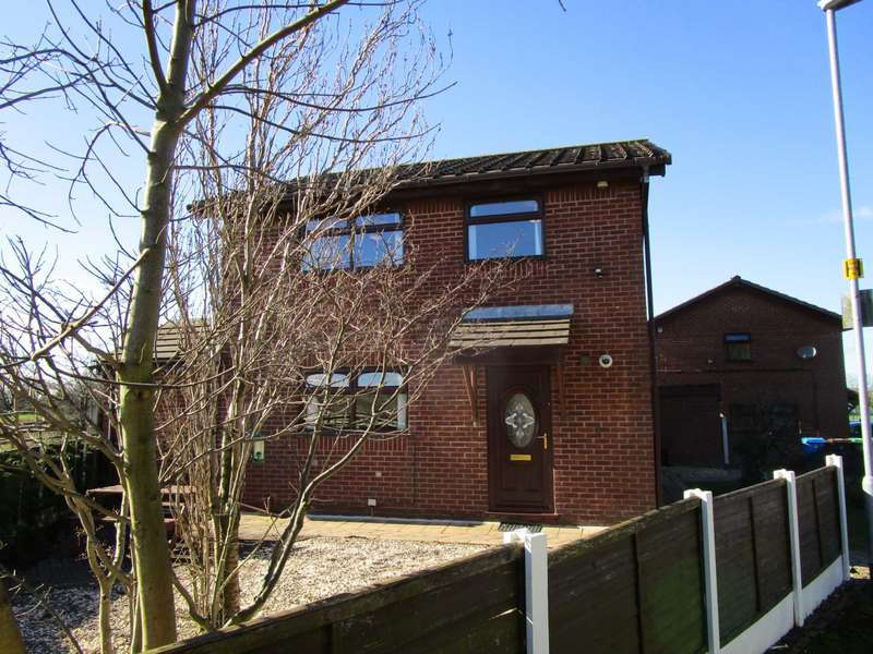 3 Bedrooms Detached House for sale in Bullcote Green, Heyside