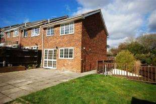 3 Bedrooms End Of Terrace House for sale in Nevill Green, Uckfield, East Sussex