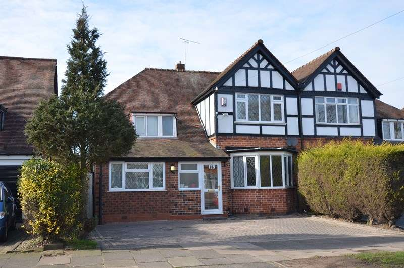 4 Bedrooms Semi Detached House for sale in Brandwood Road, Kings Heath, Birmingham