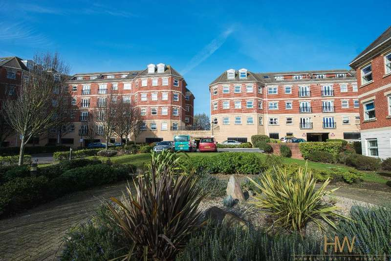 2 Bedrooms Apartment Flat for sale in Petworth House, Davigdor Road, Hove, East Sussex, BN3 1WG