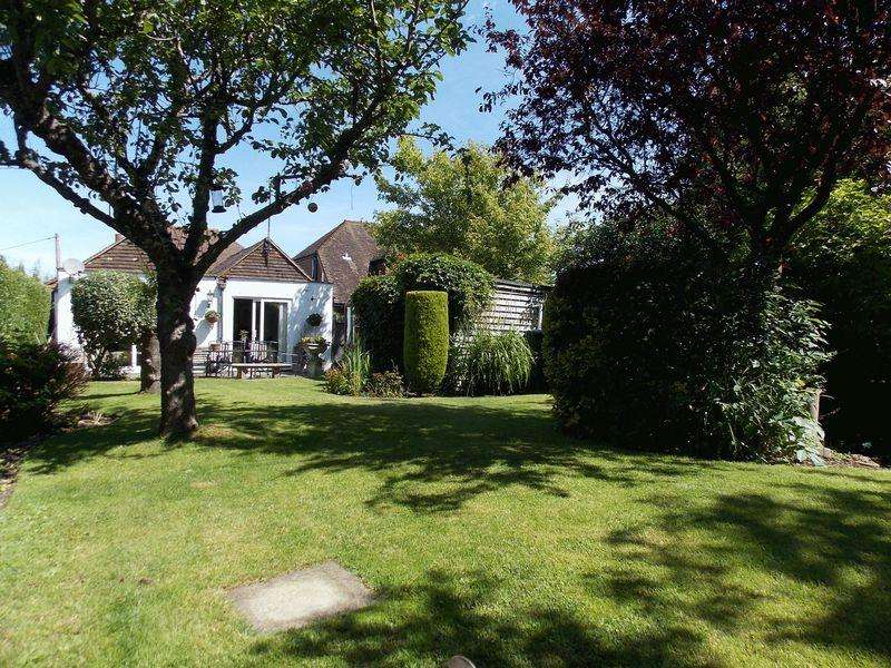 3 Bedrooms Detached Bungalow for sale in Kings Barn Lane, Steyning