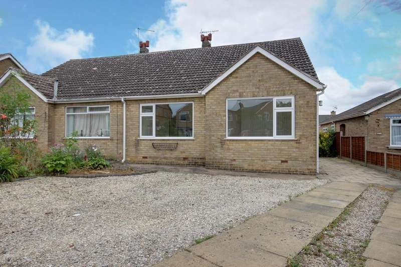 2 Bedrooms Semi Detached Bungalow for sale in Southfield Drive, North Ferriby