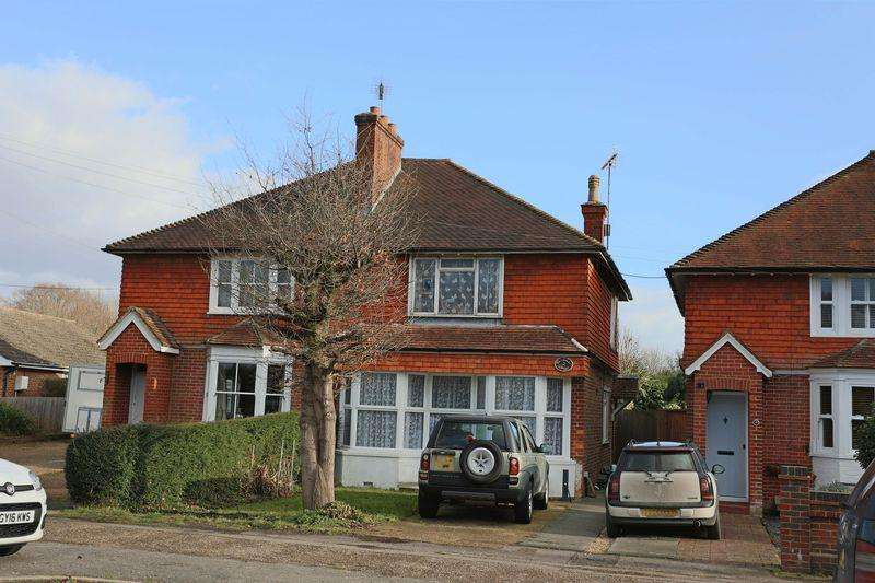3 Bedrooms Semi Detached House for sale in Berrylands Cottages, Sayers Common