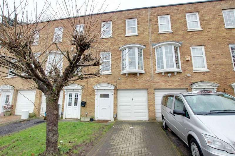 3 Bedrooms Terraced House for sale in Hawthorns, Woodford Green, Essex