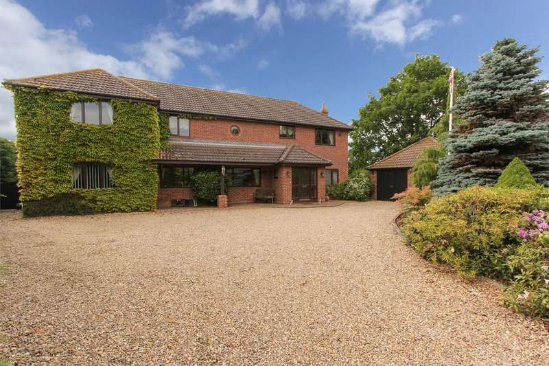 5 Bedrooms Detached House for sale in Norwich Road, Dickleburgh, Norfolk