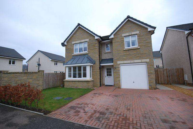 4 Bedrooms Detached Villa House for sale in 11 Hayfield Drive, Stewarton, KA3 3DR