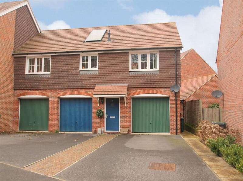 2 Bedrooms Maisonette Flat for sale in Bagshot, Surrey