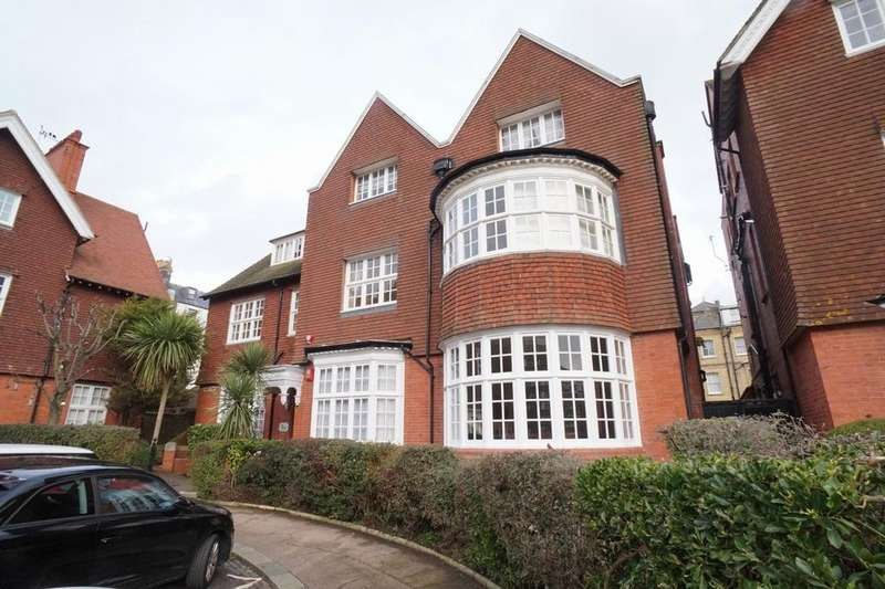 1 Bedroom Flat for sale in Grand Avenue, Hove BN3