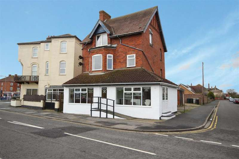 1 Bedroom Flat for sale in Shop Flat, Swiss Cottage, Willoughby Road, Sutton-On-Sea