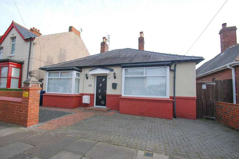 3 Bedrooms Bungalow for sale in West Avenue, South Shields