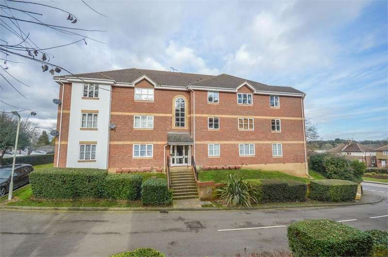 2 Bedrooms Flat for sale in Mitre Gardens, London Road, BISHOP'S STORTFORD, Hertfordshire