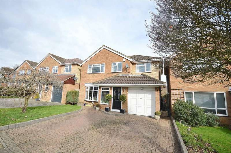4 Bedrooms Detached House for sale in Appletree Walk, Garston, Hertfordshire, WD25