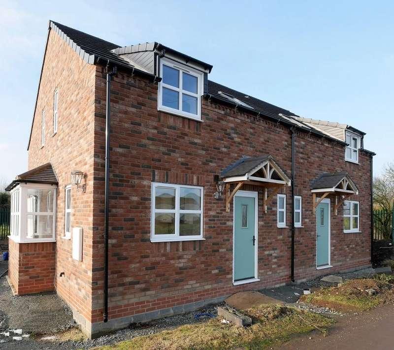 3 Bedrooms Semi Detached House for sale in Canalside West, Newport