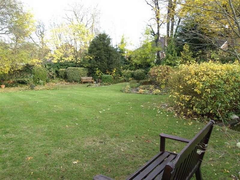 1 Bedroom Retirement Property for sale in Park Court, 63-65 Wickham Road, Beckenham, BR3