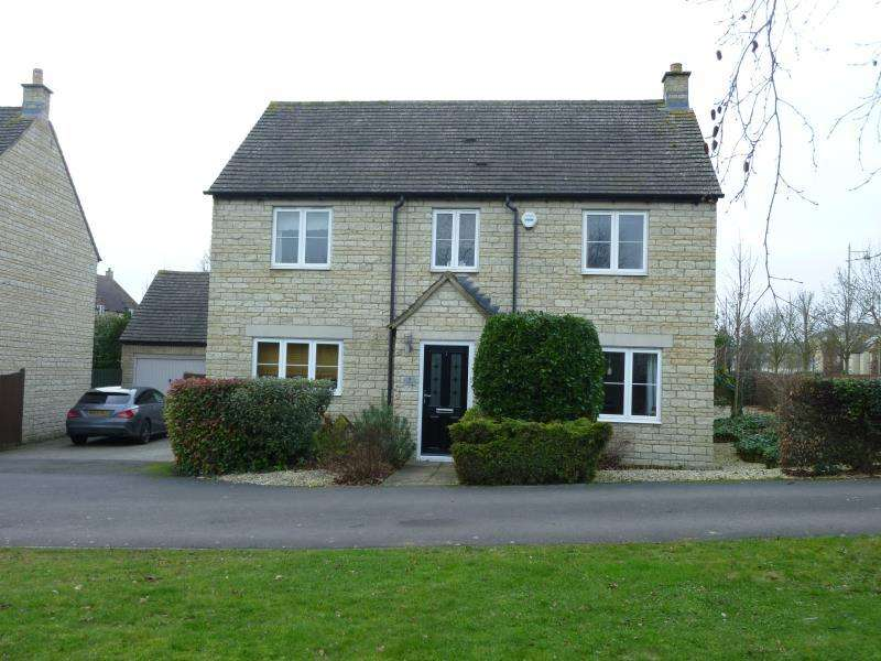 4 Bedrooms Detached House for sale in Teasel Way, Carterton, Oxon