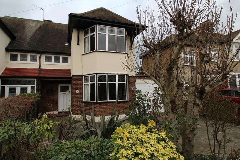 3 Bedrooms Semi Detached House for sale in Stewart Avenue, Upminster, Essex, RM14