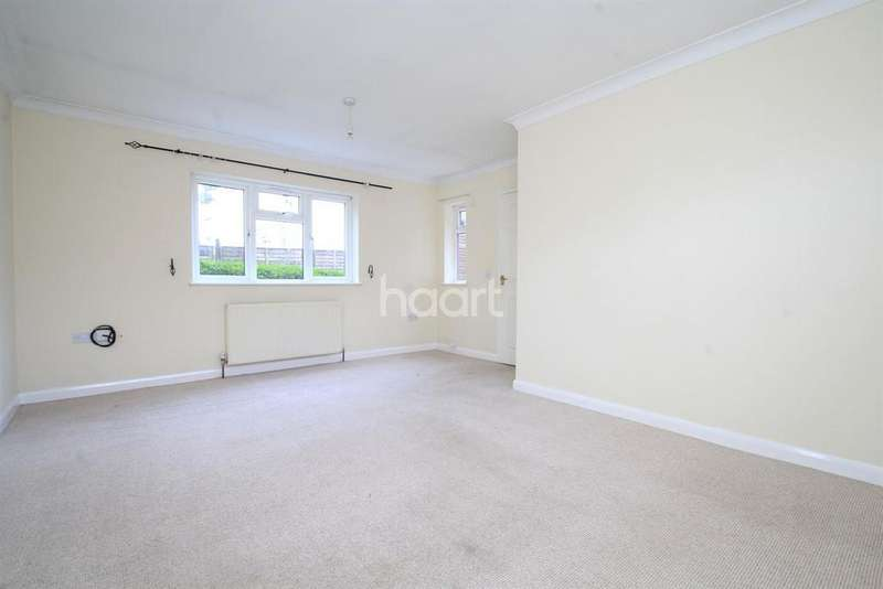 2 Bedrooms Bungalow for sale in Dereham Road, NR19