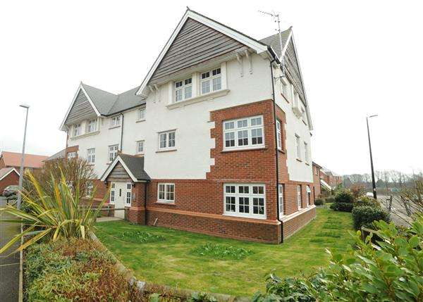 1 Bedroom Apartment Flat for sale in 41 Roseway Avenue, Cadishead M44 5GG