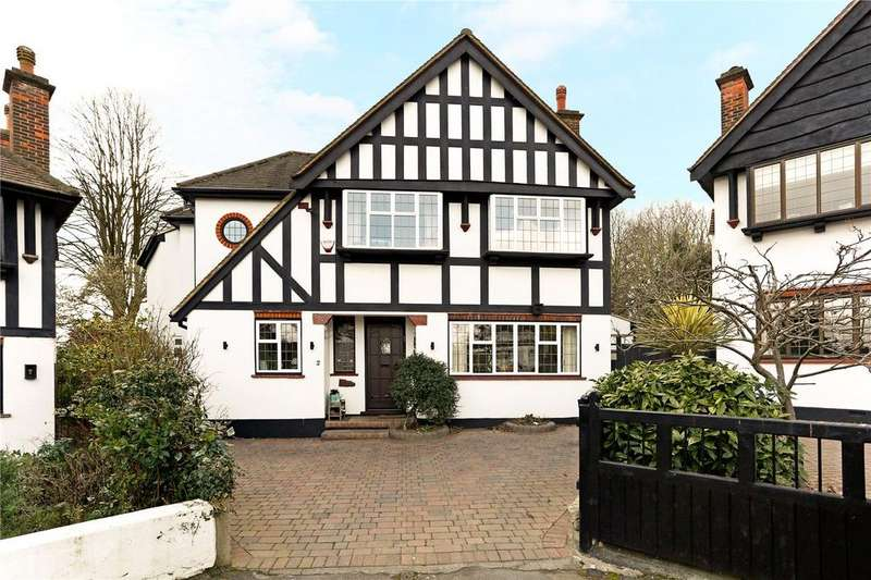 4 Bedrooms Detached House for sale in Belmont Close, Woodford Green, Essex, IG8