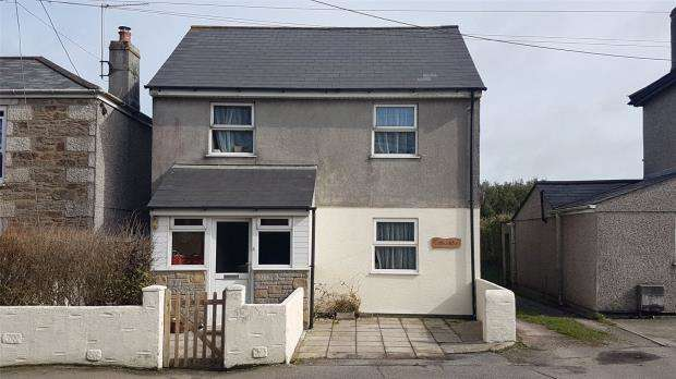 3 Bedrooms Detached House for sale in Higher Broad Lane, Redruth, Cornwall