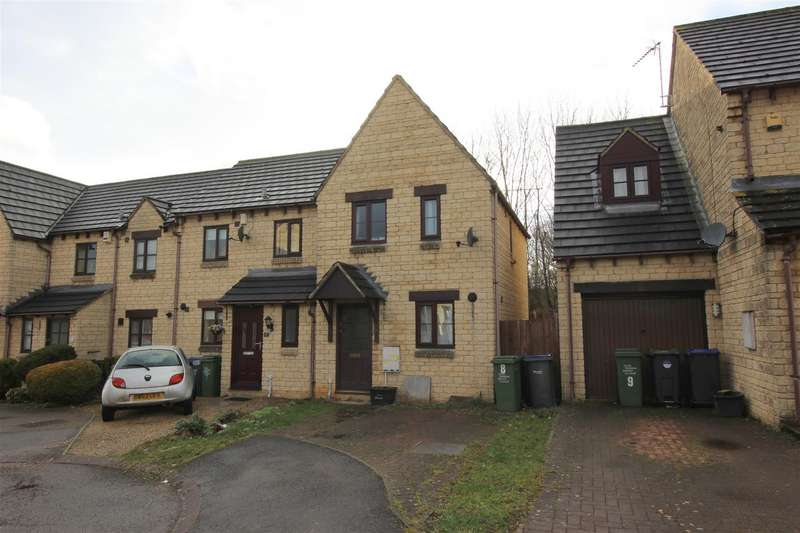 2 Bedrooms Property for sale in Kelso Court, Chippenham