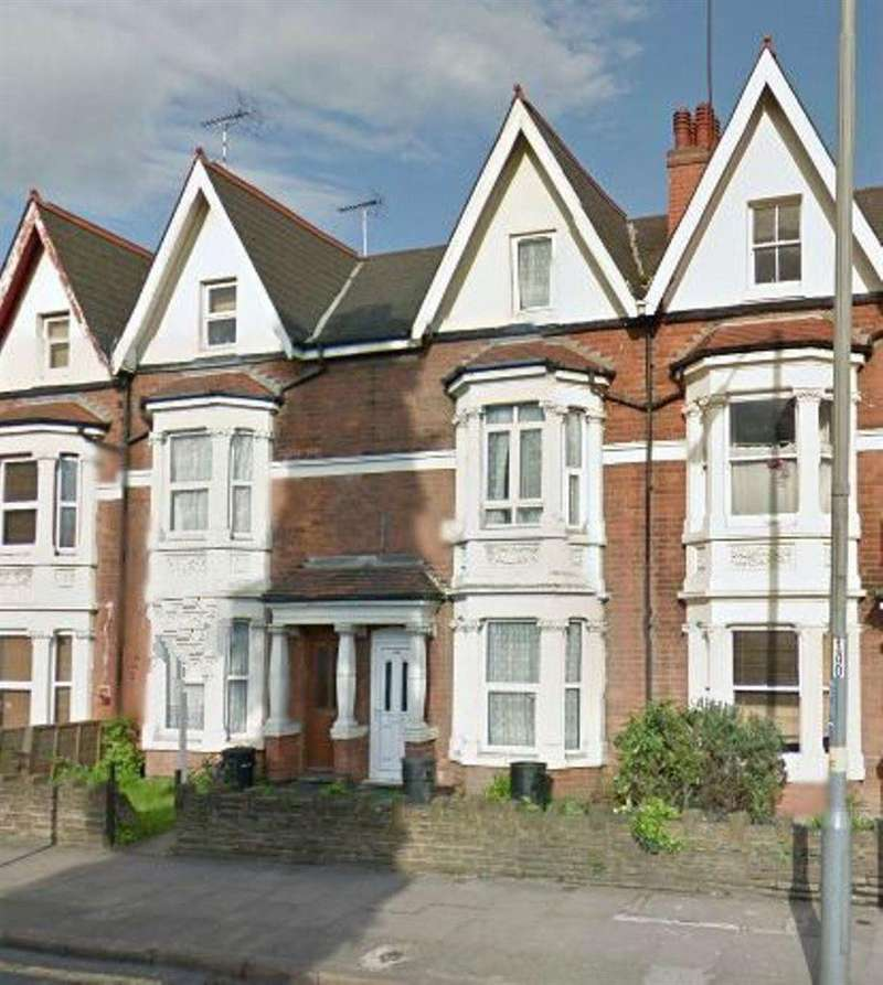 6 Bedrooms House for rent in 668 Pershore Road, B29 7NX