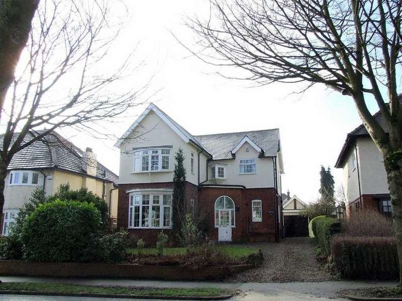 3 Bedrooms Detached House for sale in Swanland Road, Hessle, East Yorkshire, HU13