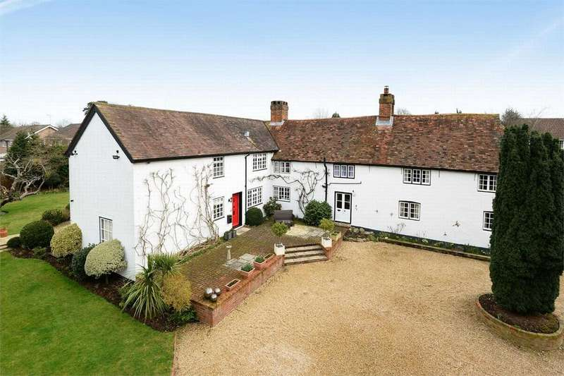 5 Bedrooms Detached House for sale in Frimley Green, Camberley, Surrey